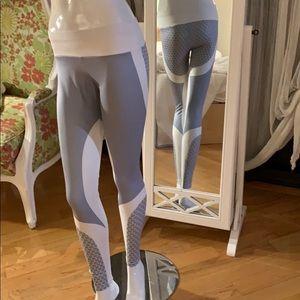 Brand new never worn leggings